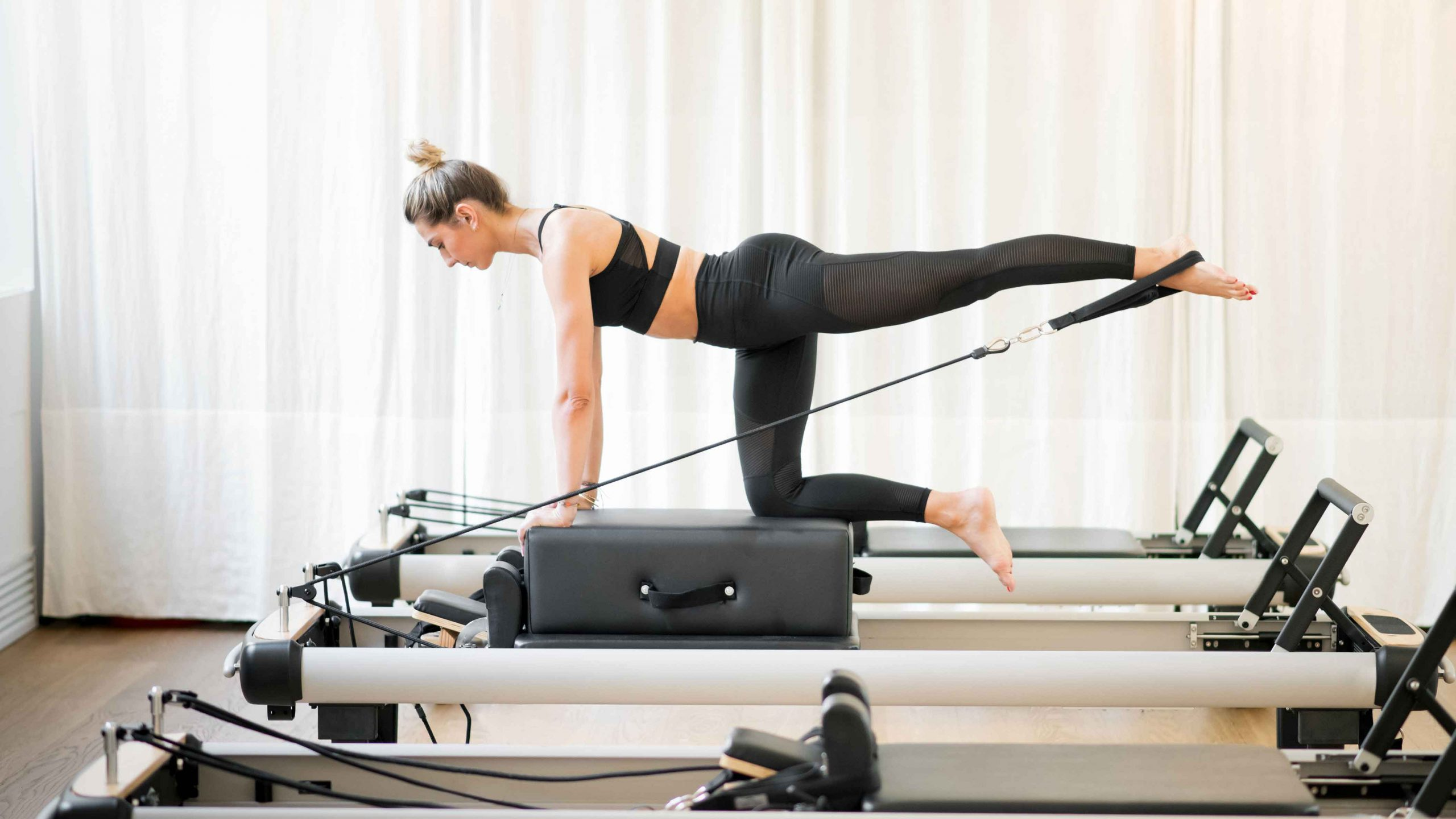 Pilates reformer pictures 3